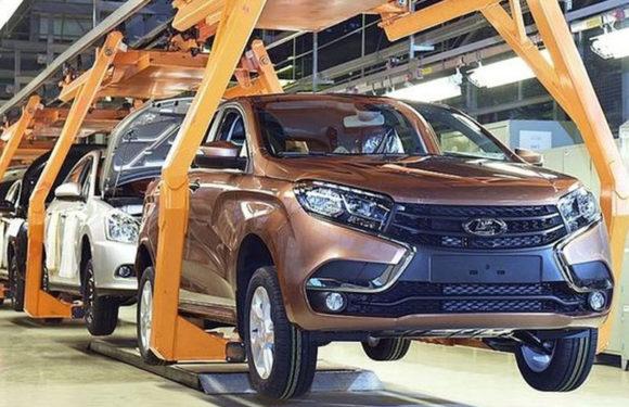 Глава Ростеха похвалил качество автомобилей Lada.